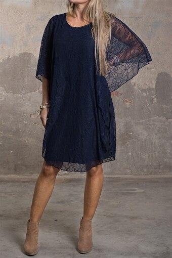 Jamie - Spetsklänning med fint Fall - Marine 113ab7050374e