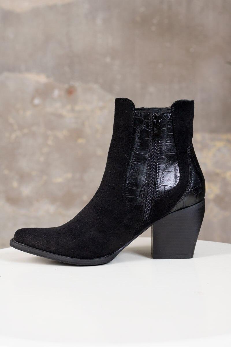 Boots-1541---Svart-sida