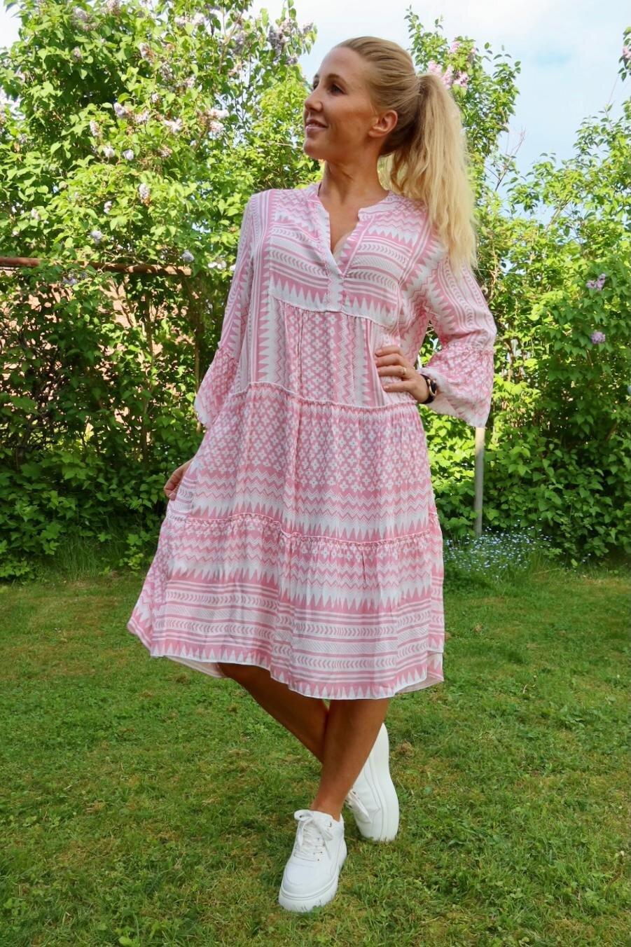 Cindy klänning - Mönstrad - Rosa