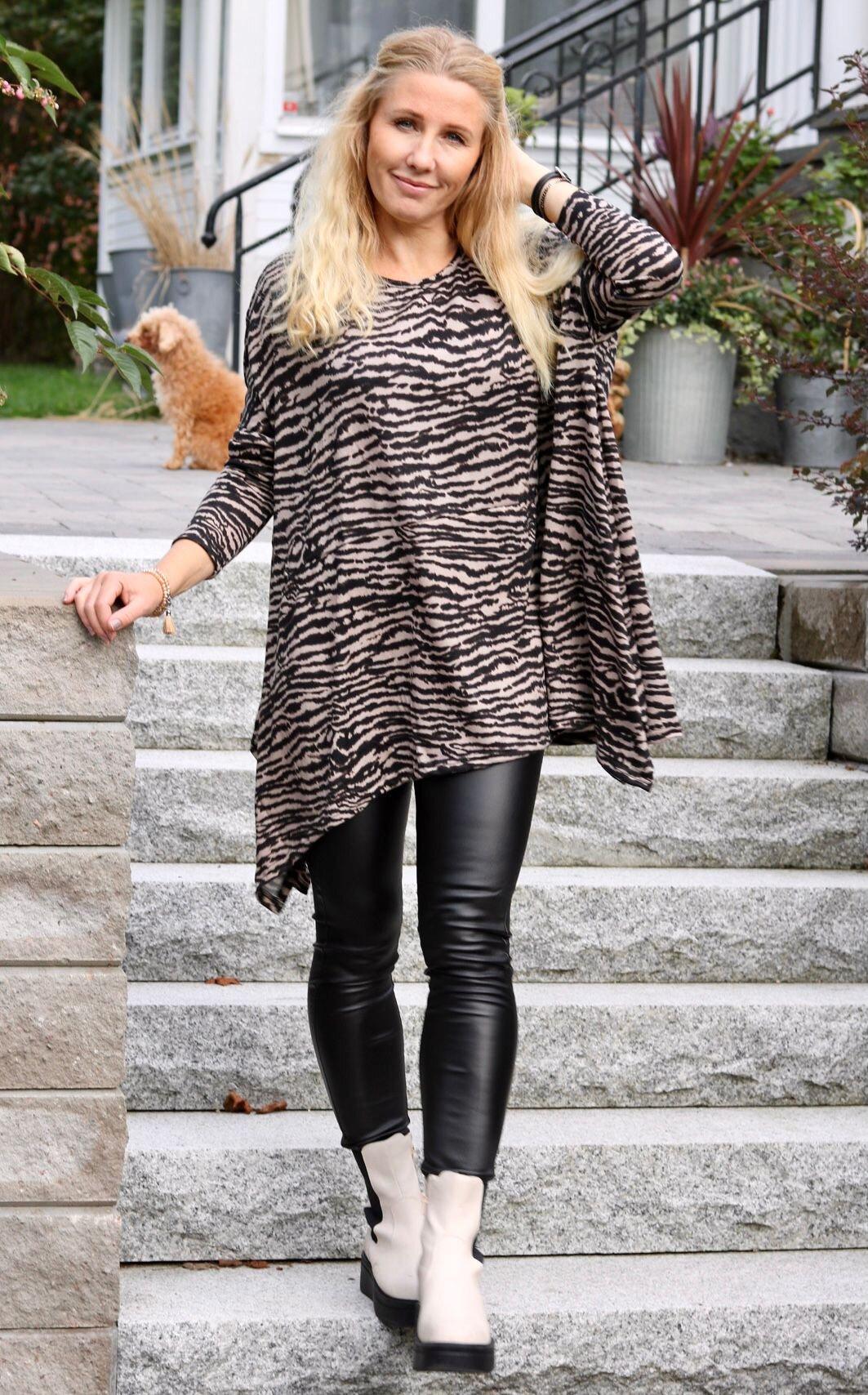 Elicia Oversize tröja - Zebra -Beige