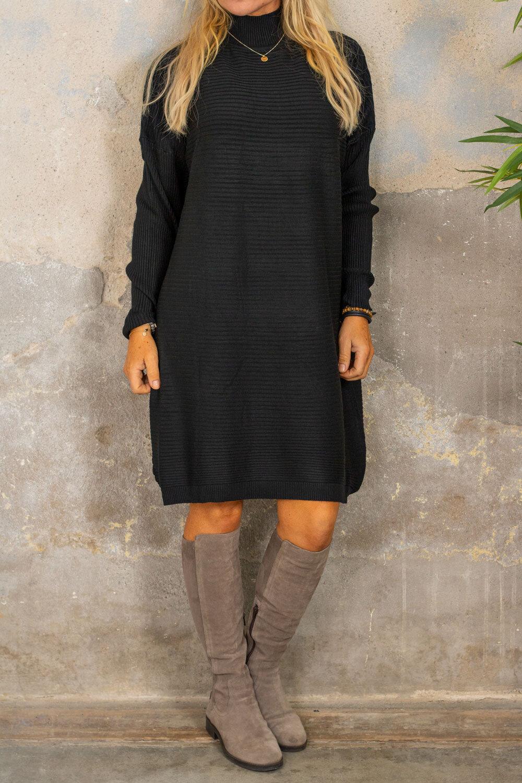 Gunilla Ribbstickad klänning - Svart