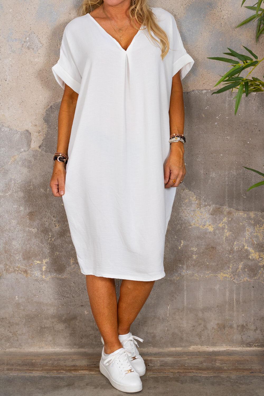 Isadora V-ringad klänning - Cream