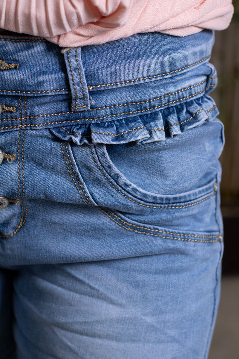 Jeans-JW9115---Volanger---Ljustvatt-detalj