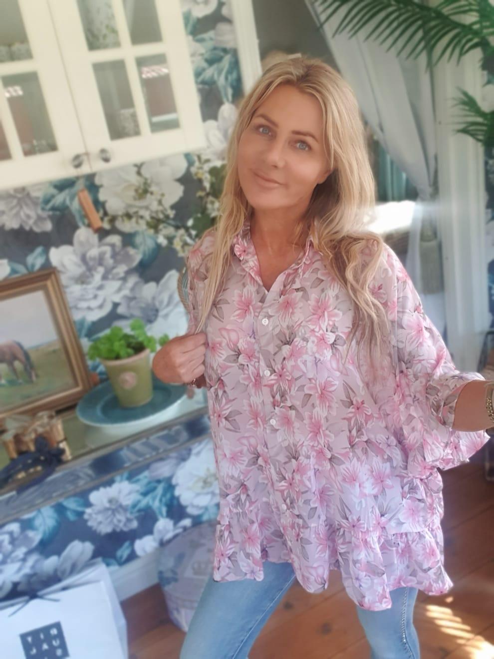 Katherine-blus-rosa-mobil