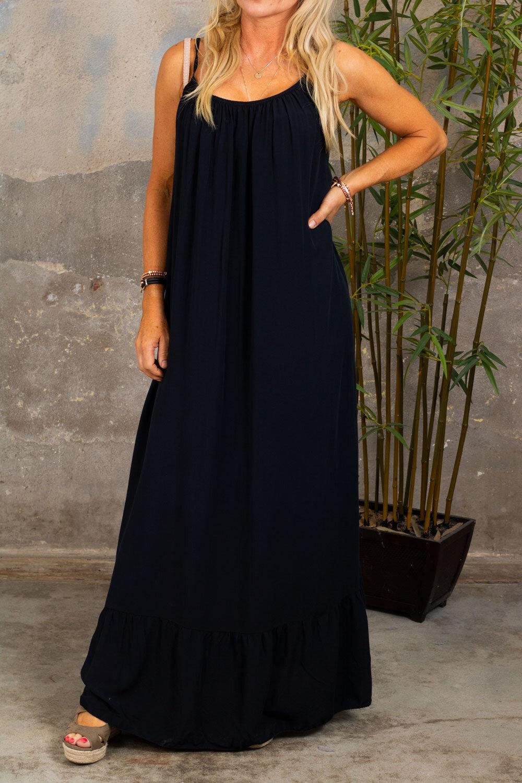Kelsie långklänning - V-ringad rygg - Svart