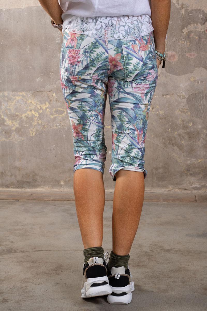 Langa-shorts-1268-F339---Blommor-o-Blad---Cream-bak