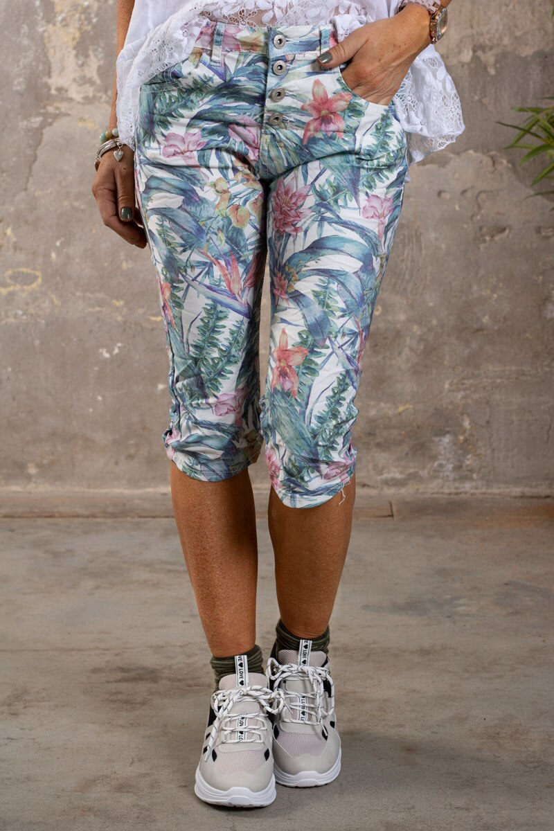 Langa-shorts-1268-F339---Blommor-o-Blad---Cream-fram