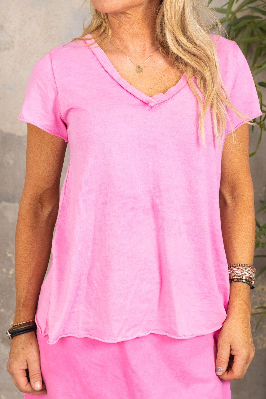 Marina - V-ringad T-shirt - Cerise