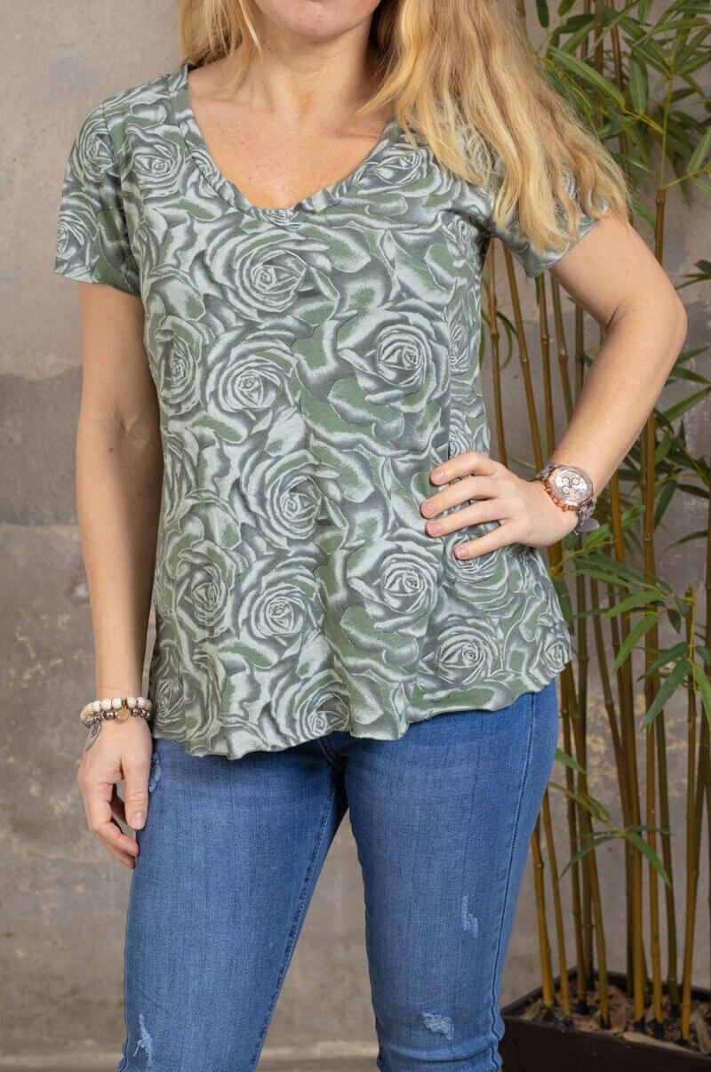 Marina - V-ringad T-shirt - Rosor - Khaki