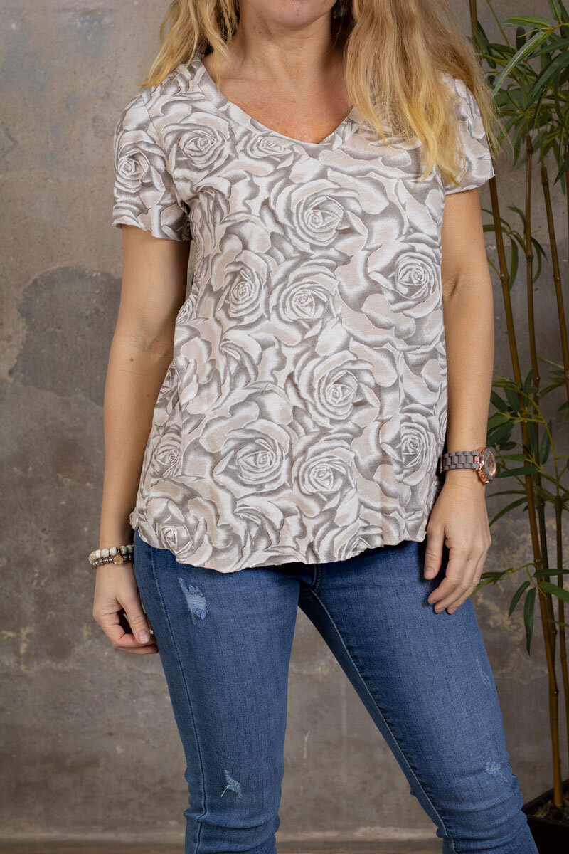 Marina - V-ringad T-shirt - Rosor - Taupe