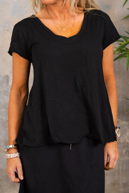 Marina - V-ringad T-shirt - Svart