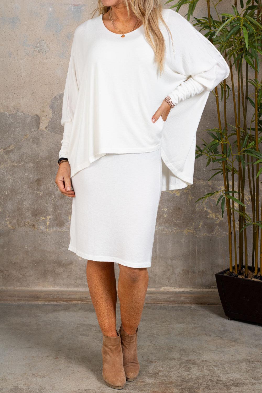 Naomi Finstickad klänning - Cream
