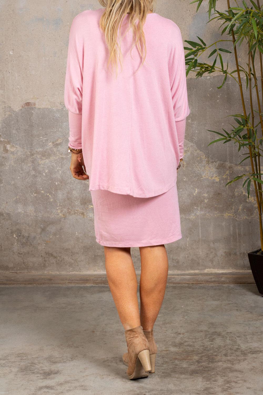 Naomi Finstickad klänning - Rosa
