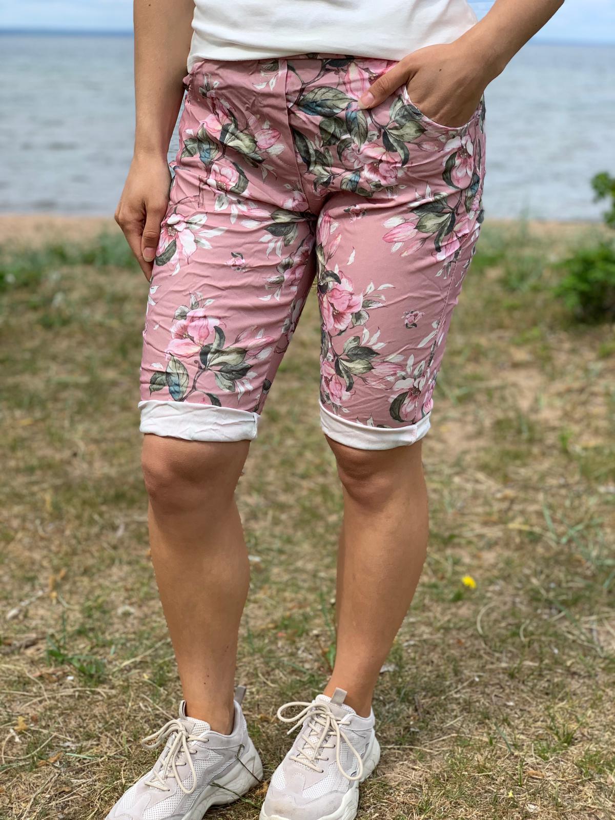 Stretch Shorts - Blomster - rosa fram