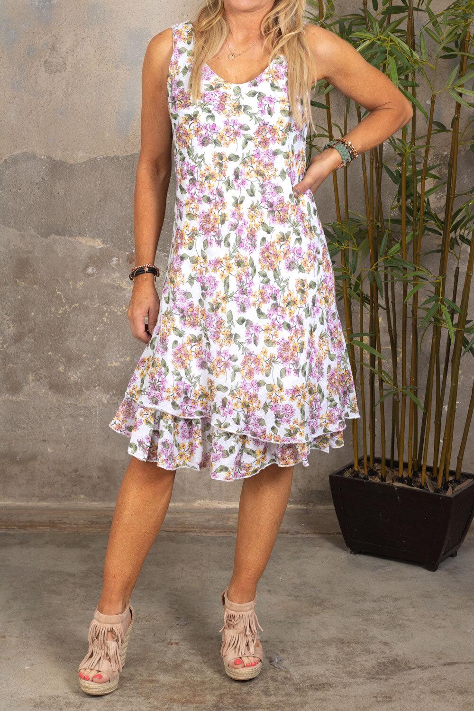 Tessa - Småblommig klänning med Volang - Vit