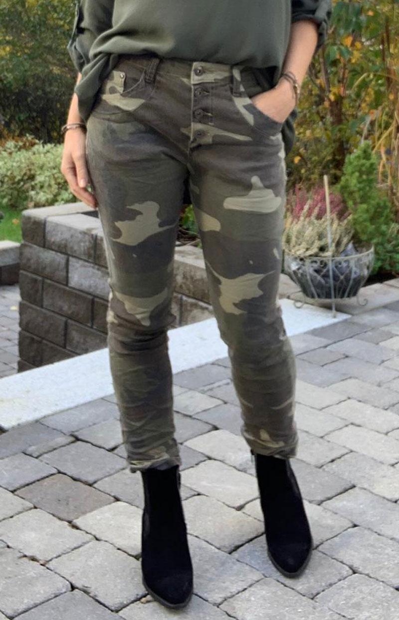 byxor-camouflage-kapad-helbild