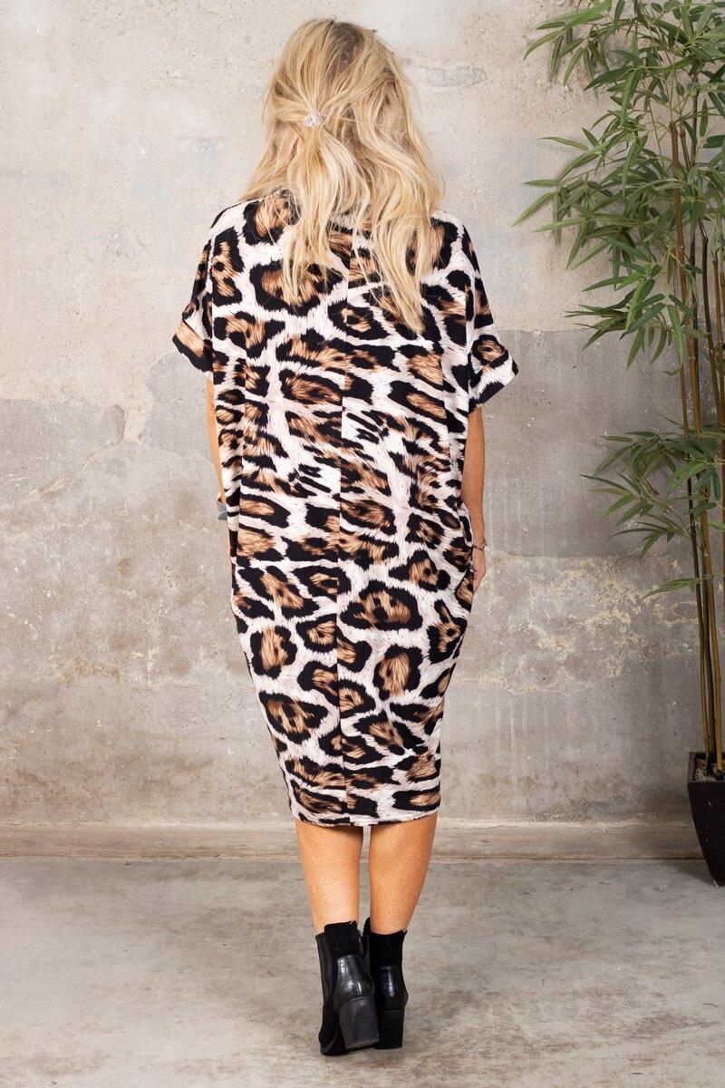 deliah-klanning-leopardmonstrad-brun-bak