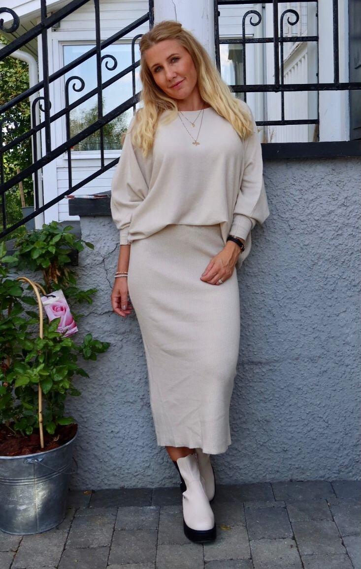 Finstickad kjol - Sand