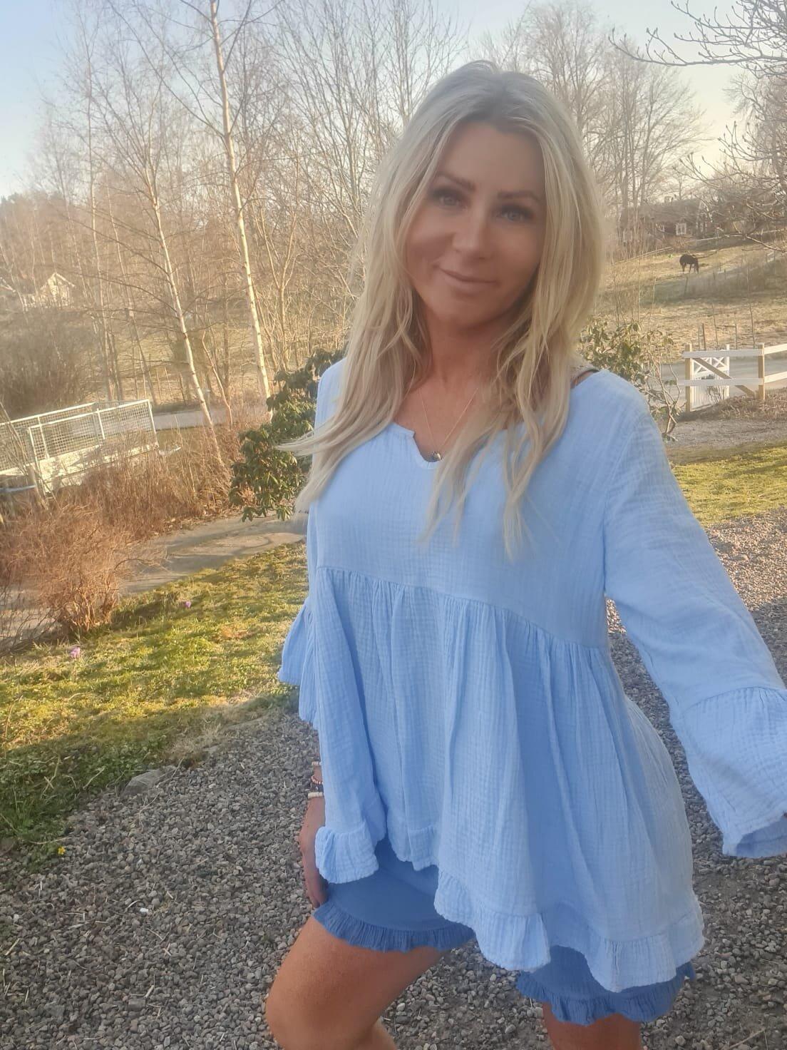 Maggie tunika - Volanger - Sky blue