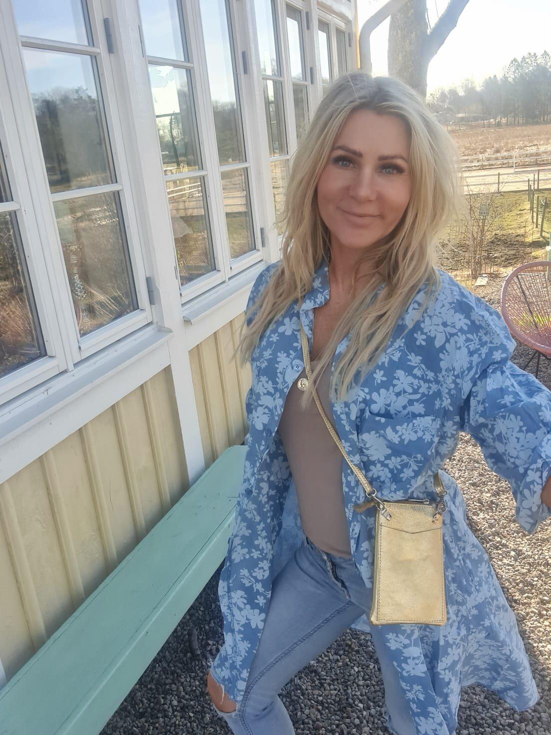 Penny långskjorta - Blommor - Blå