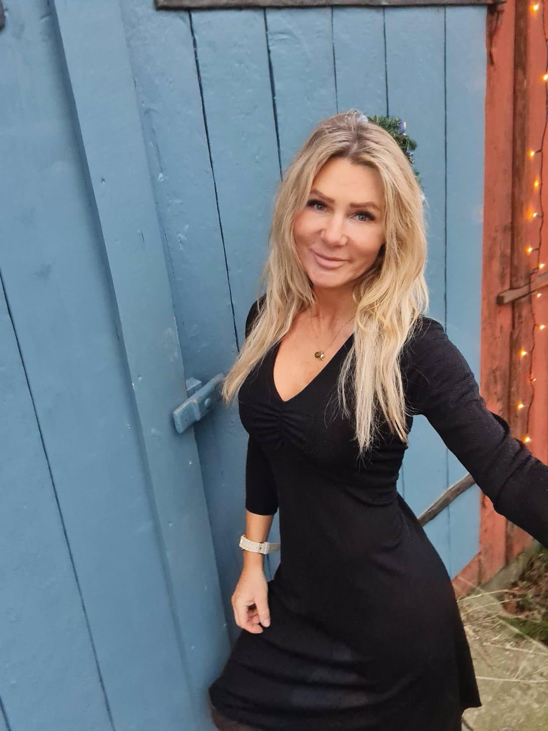 Stacy Klänning - Glittrig - Svart