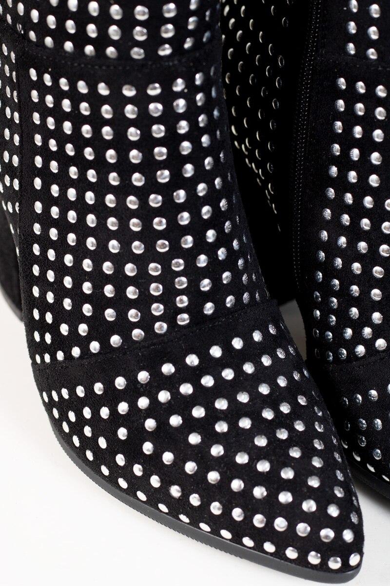 stovlett-nitar-svart-detalj