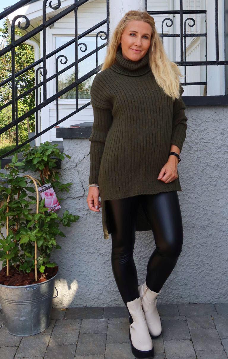 Veronica - Stickad tröja - Armégrön