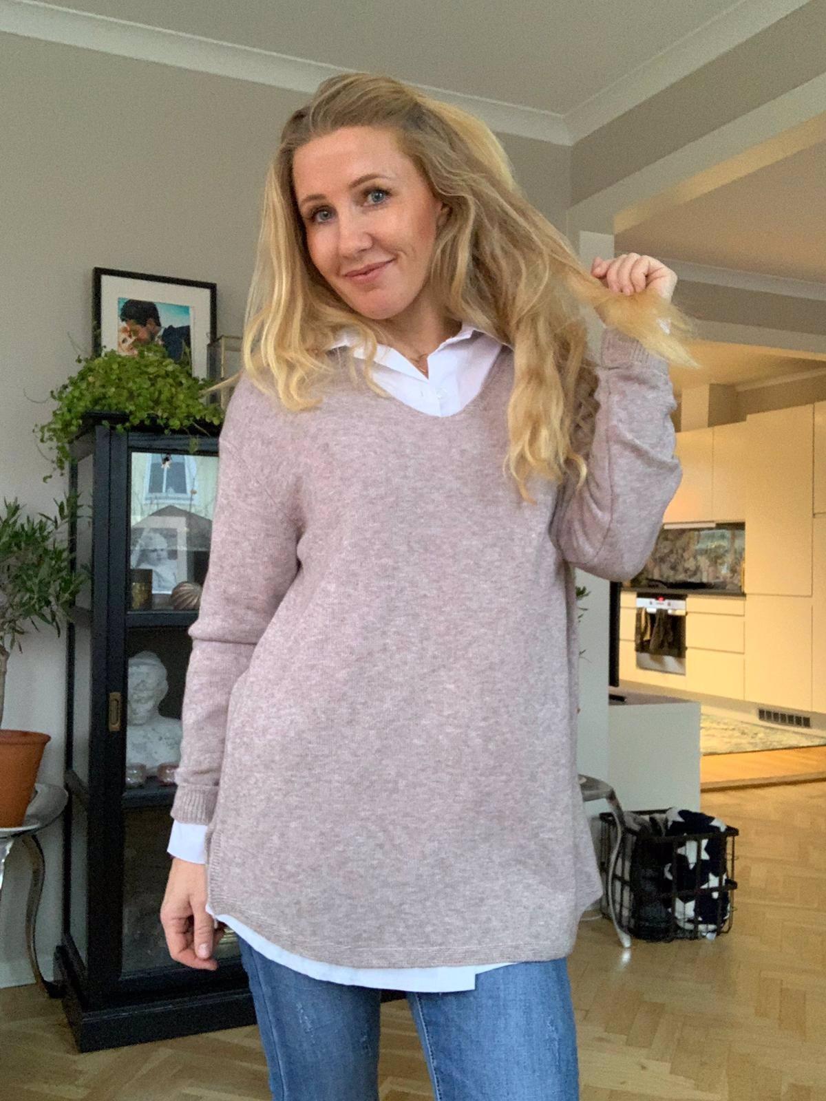 Yvette Finstickad tröja - V-ringad - Taupe